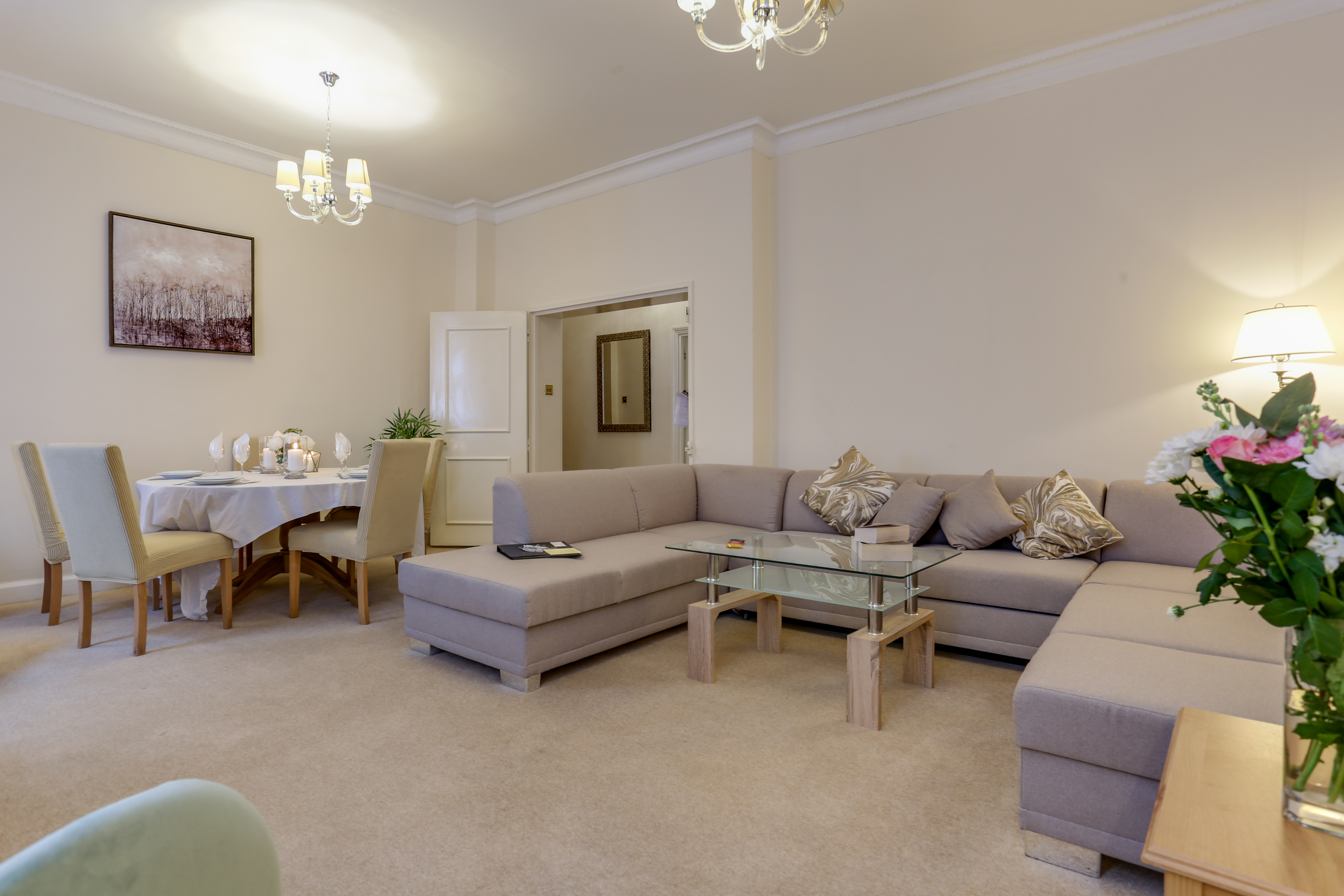 Flat 1, Shaw house – 6 Chesterfield Street (6 of 24)